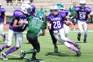 RUMSON-FAIR HAVEN AMERICAN YOUTH FOOTBALL OFF TO A GOOD START By Les Pierce