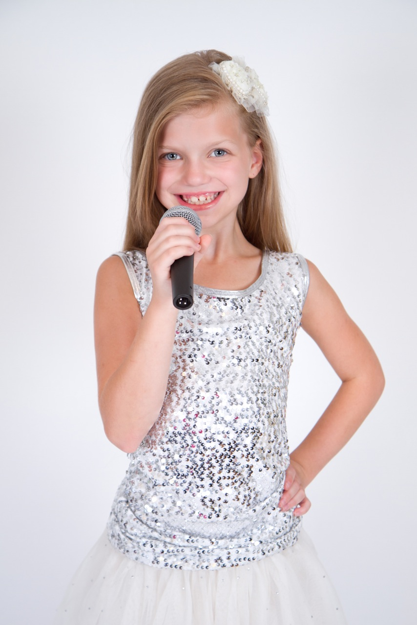 YOUNG SINGER LENDS HER VOICE TO HOST A MUSICAL VARIETY SHOW TO RAISE FUNDS FOR THE MIDDLETOWN ARTS CENTER